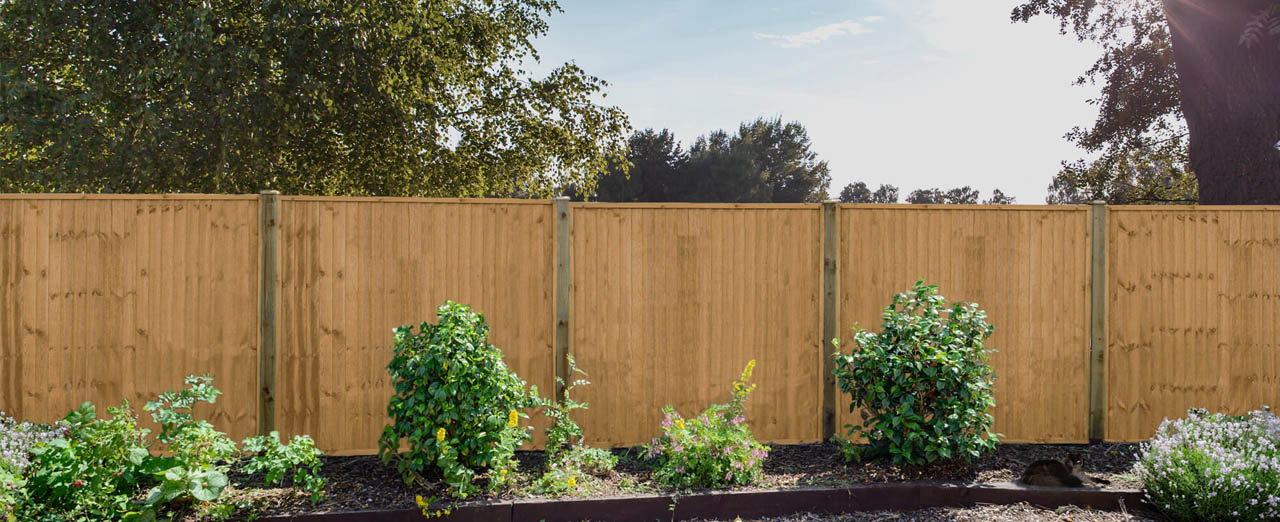 Shop Fencing & Sleepers On Any Budget