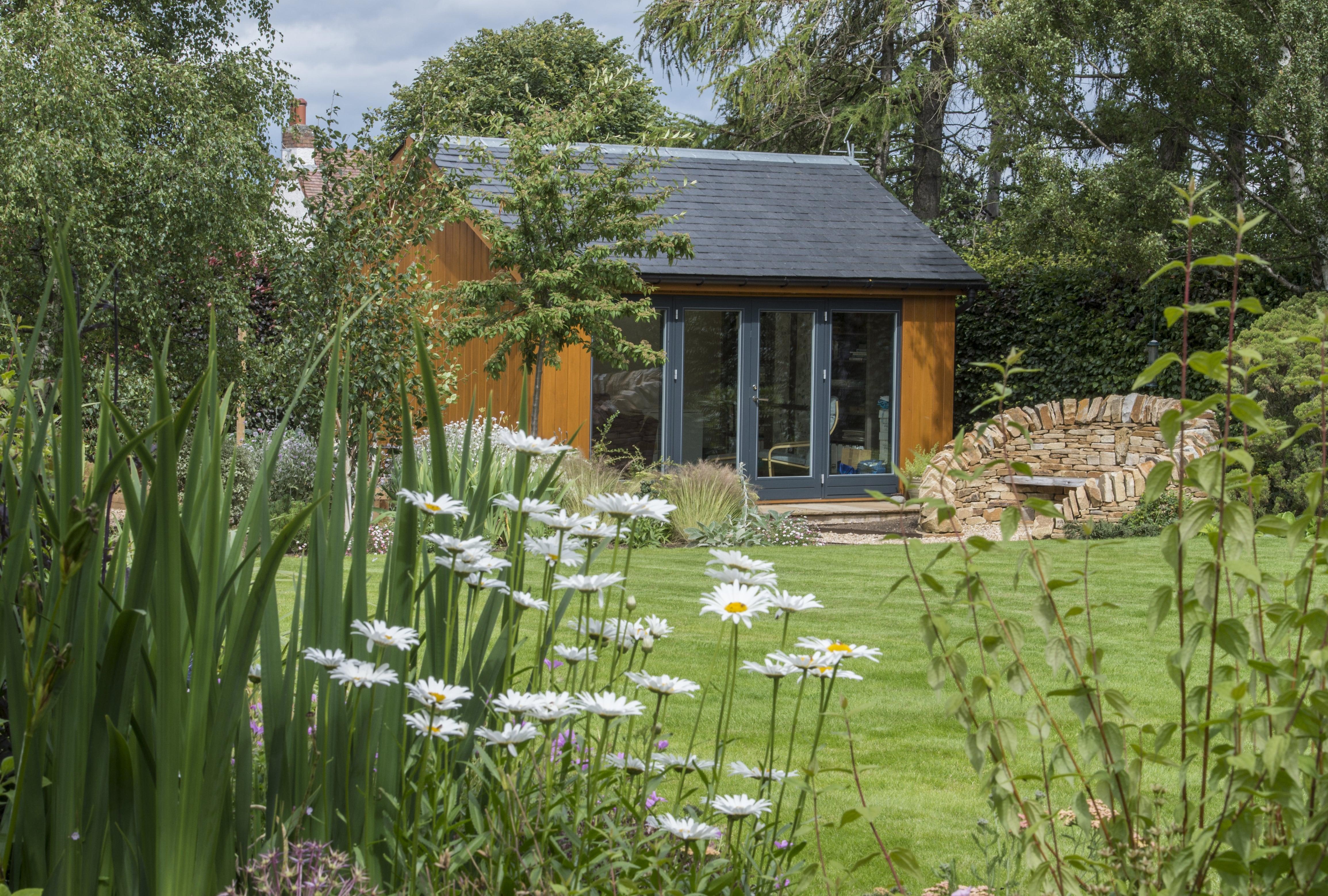 garden room and grass